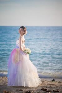 新娘拿著花球